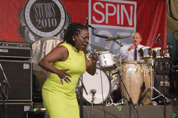 Sharon Jones Dap-Kings-17