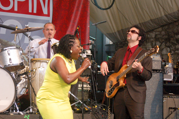 Sharon Jones Dap-Kings-19