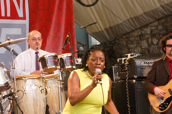 Sharon Jones Dap-Kings-7