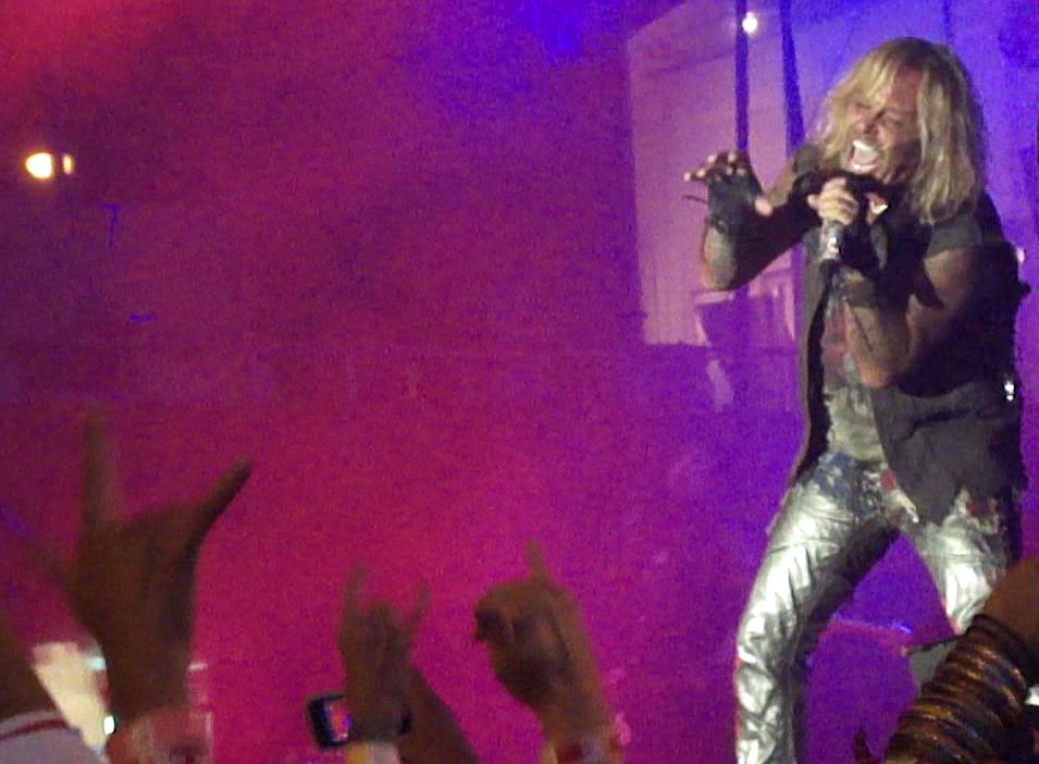 """Vince Neil showing us his """"Wild Side"""""""