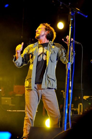Pearl-Jam-Live-at-Pearl-Jam-Twenty-3