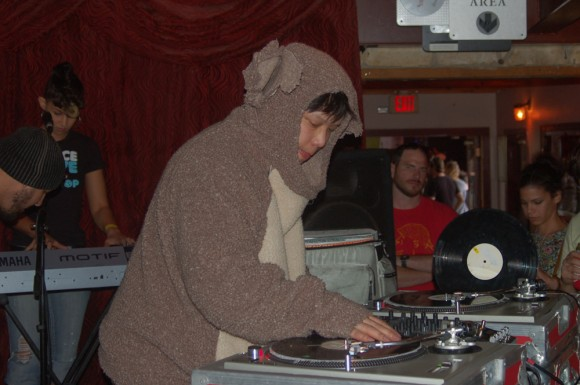 Pillowfight-Kid-Koala-SXSW-2012-2