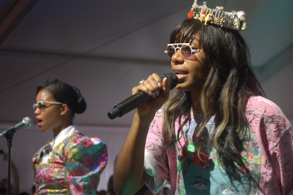 "Santigold Releases New Video For ""Banshee"""