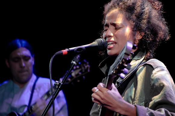 Nneka-4