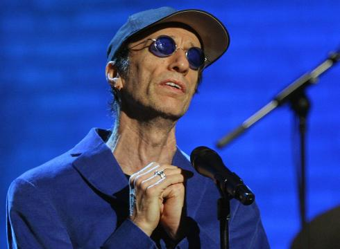 Ex-Bee-Gee-Robin-Gibb-in-coma-with-pneumonia-5D1ABA4D-x-large