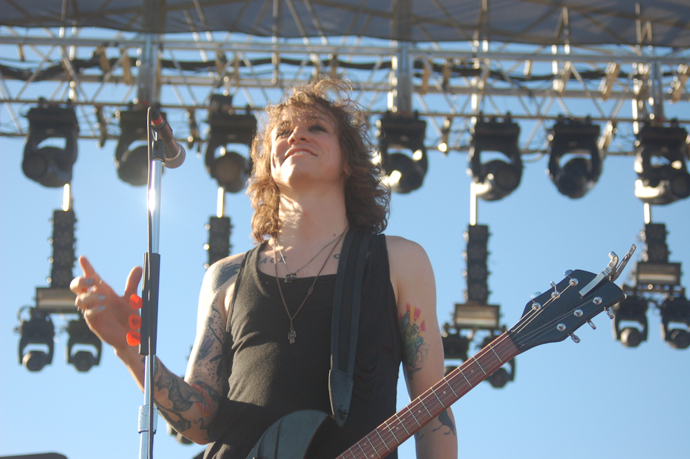 Laura Jane Grace Announces Summer 2015 Solo Tour Dates