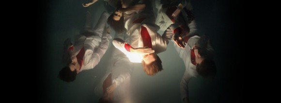New-Interactive-Music-Video-by-Arcade-Fire-Reflektor-1