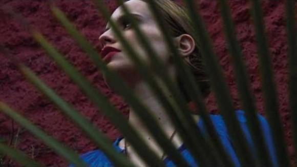 Anna-Calvi-Suddenly-single-608x342