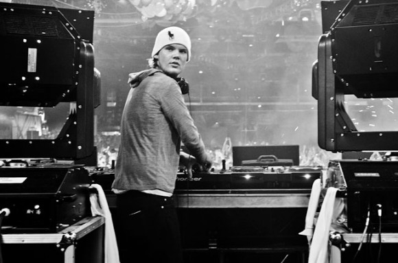 avicii-press-photo-jacob-schulman-650-430