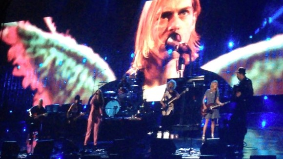 nirvana-lorde-rock-and-roll-hall-of-fame-2014-all-apologies-youtube