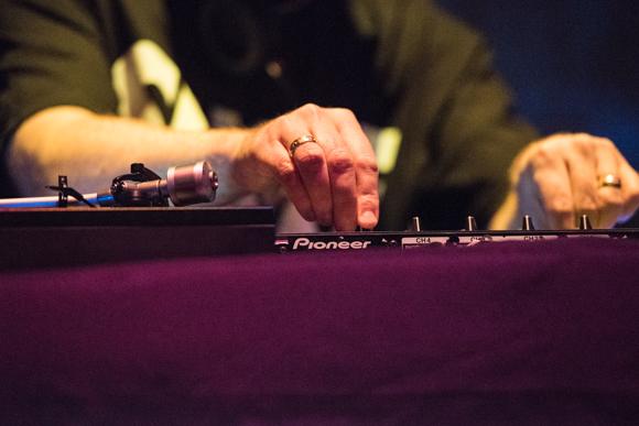 DJ Shadow-16