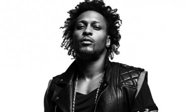 "WATCH: D'Angelo Releases New Cover Of ""Sometimes It Snows In April"" By Prince"