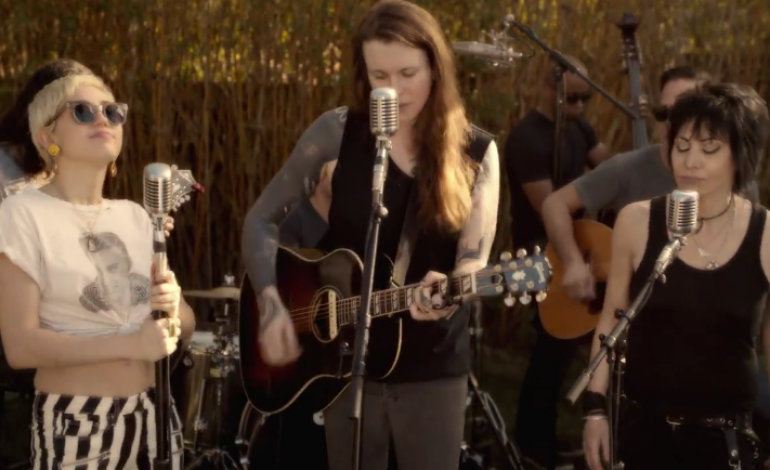WATCH: Miley Cyrus, Joan Jett And Laura Jane Grace Cover ...