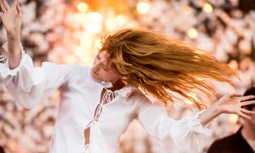 Florence + The Machine Announces Spring 2016 Tour Dates Featuring Grimes