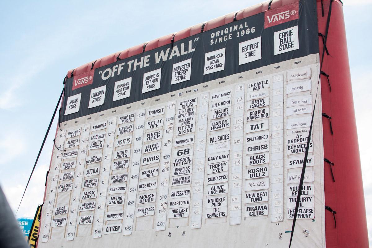 The famous Vans schedule blowup sign.
