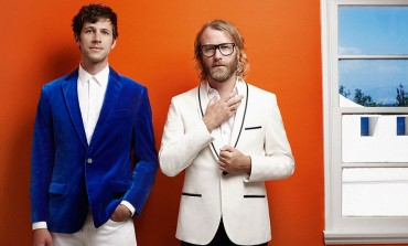 """EL VY Announce Fall 2015 Tour Dates And Release New Video For """"Need A Friend"""""""