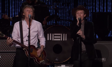 """WATCH: Paul McCartney Performs """"I've Just Seen A Face"""" With Beck"""