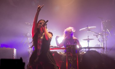 "Amy Lee of Evanescence Releases New Song ""Love Exists"""
