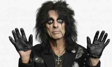 Alice Cooper Discusses Joe Perry's Off-Stage Collapse