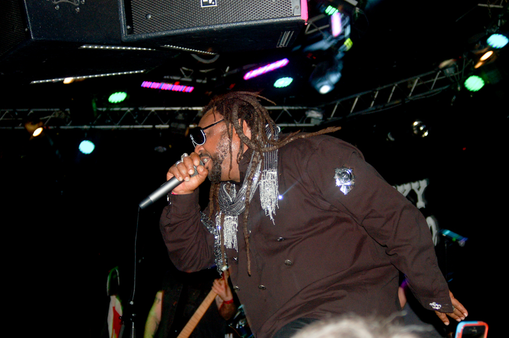 Killin' 'em With Confidence Skindred Live at the Whisky A Go-Go