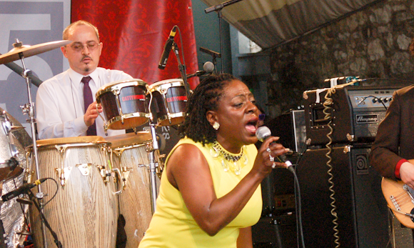 R.I.P.: Sharon Jones Passes Away From Pancreatic Cancer at 60