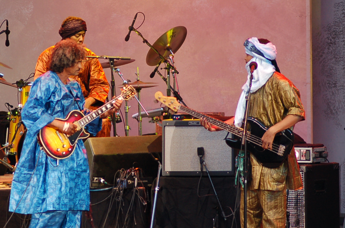 """Tinariwen Releases New Animated Video for """"Nannuflay"""" Featuring Mark Lanegan and Kurt Vile"""
