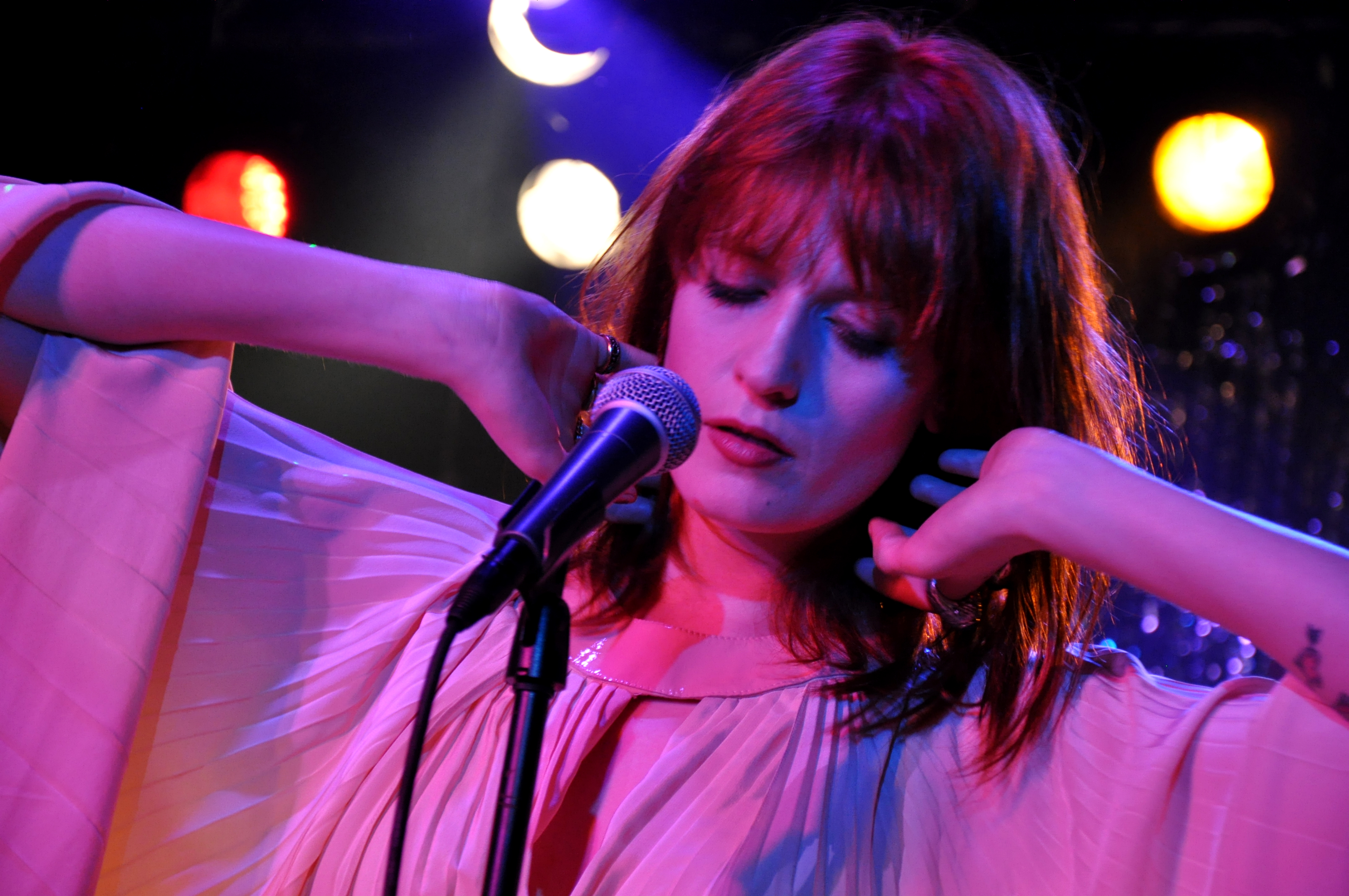 "Florence + The Machine Performed ""Jenny of Oldstones"" During the Second Episode of Game of Thrones Season 8"
