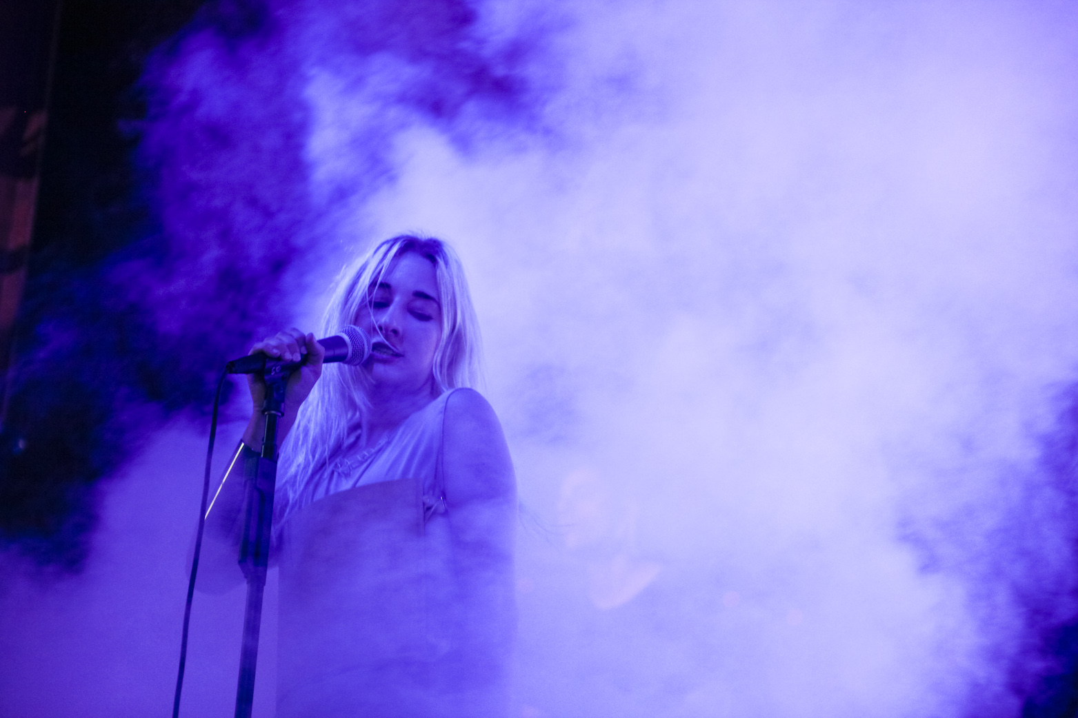 "LISTEN: Zola Jesus Releases New Song ""Circles"""