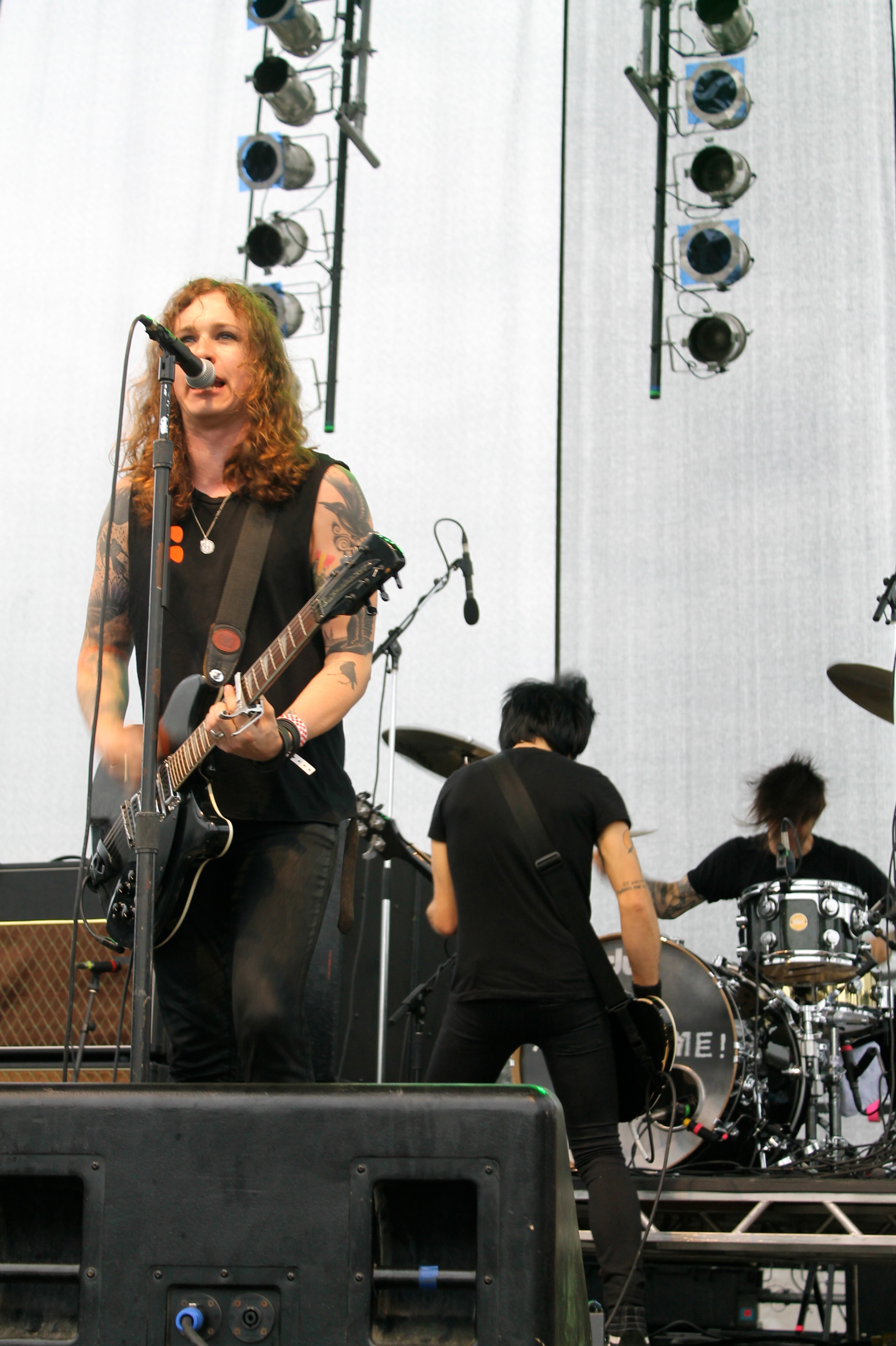 Against Me! Perform With Cherry Glazerr at Final House of Van Shows Covering Mountain Goats