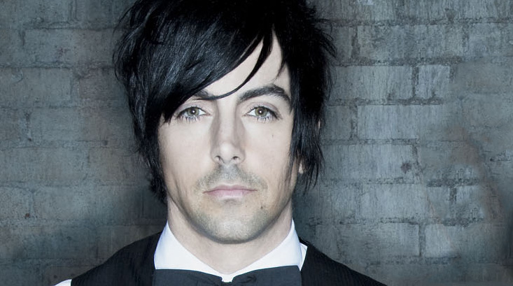 Ex-Lostprophets Frontman Ian Watkins Faces Is Charged With Possessing Illegal Phone in Prison