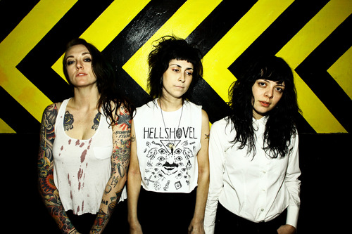 "LISTEN: The Coathangers Release New Song ""Nosebleed Weekend"""