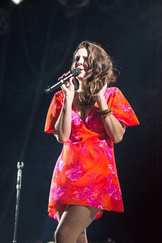 "WATCH: Lana Del Rey And The Weeknd Perform ""Prisoner"""