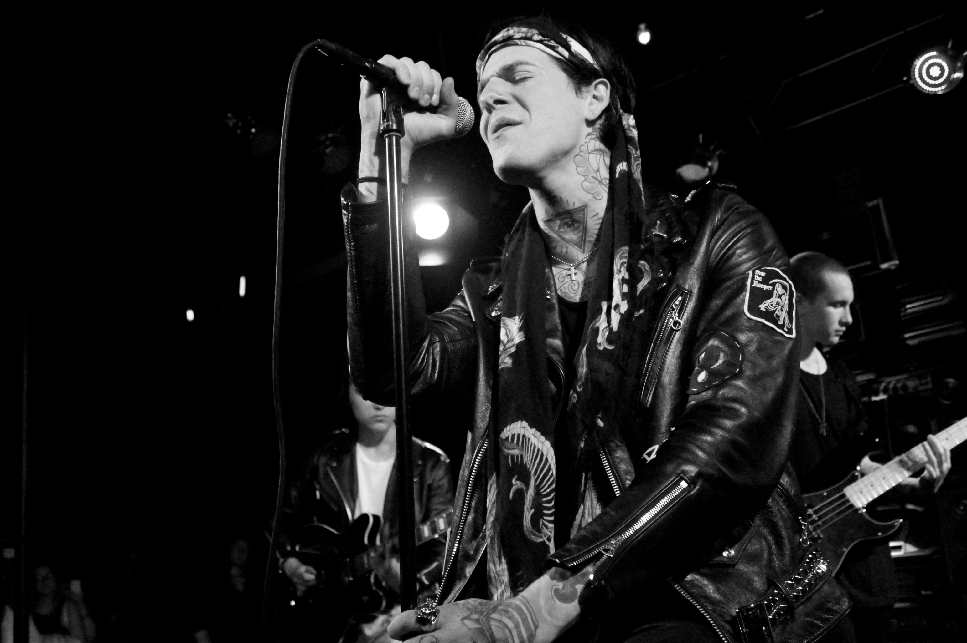 """The Neighbourhood Releases New Sci-Fi Style Video for """"Scary Love"""""""