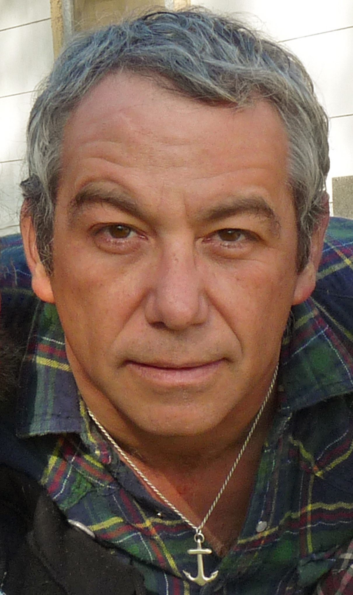 "LISTEN: Mike Watt Release Live Version of ""Against The 70s"" From 1995 Featuring Dave Grohl and Eddie Vedder"