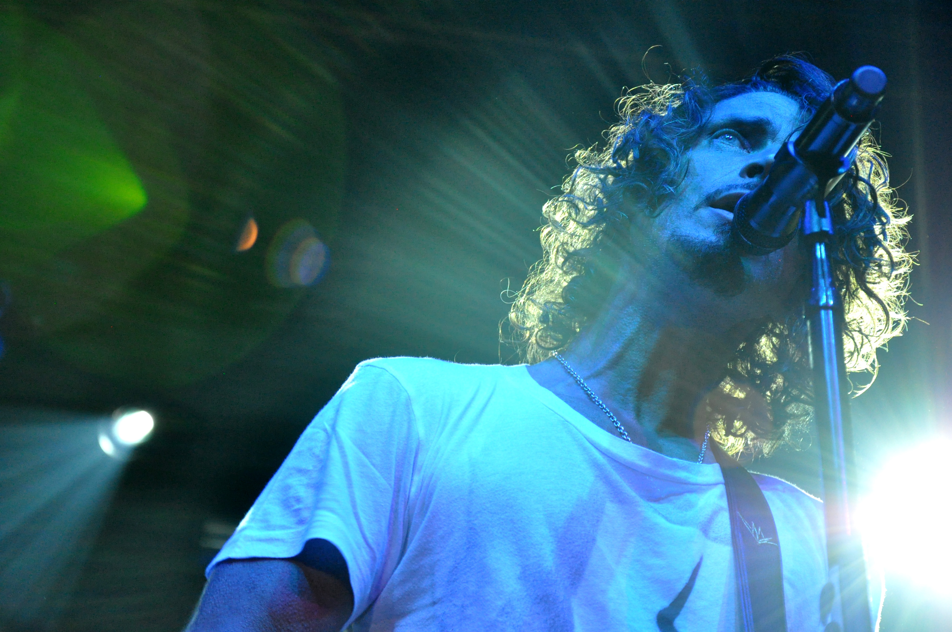 A Career Retrospective: The Seminal Works of Chris Cornell