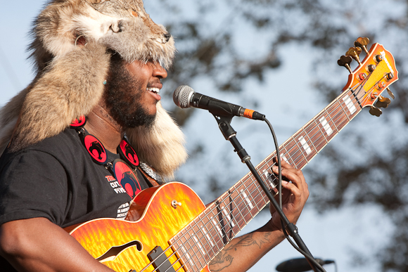 "Thundercat Releases Hilarious New Video for ""Show You The Way"" Featuring Michael McDonald and Kenny Loggins"