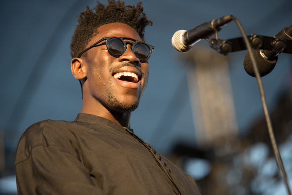 "Moses Sumney Provides Otherworldly Vocals in New Song ""Quarrel"""