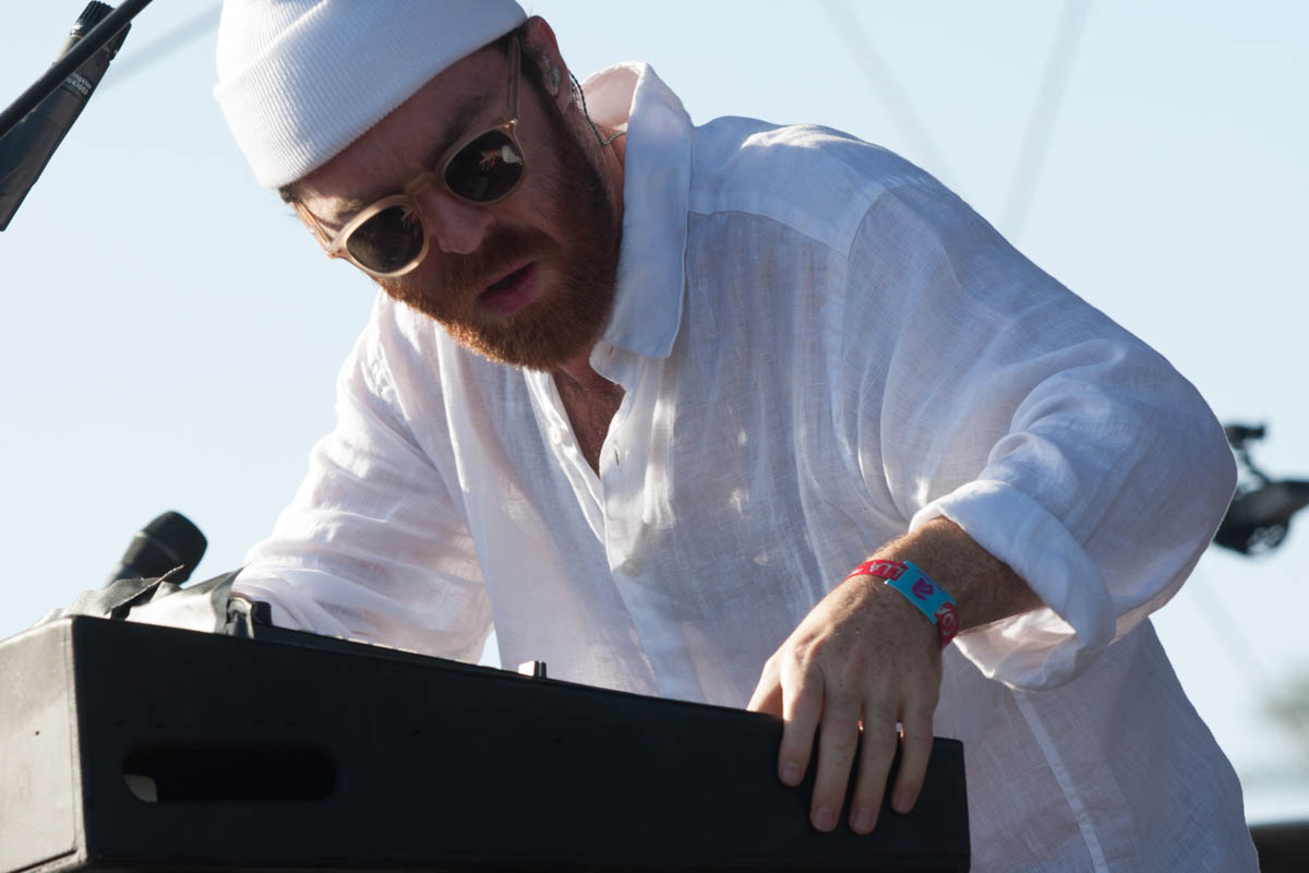 Chet Faker's electro-soul performance had everyone dancing under the sun.