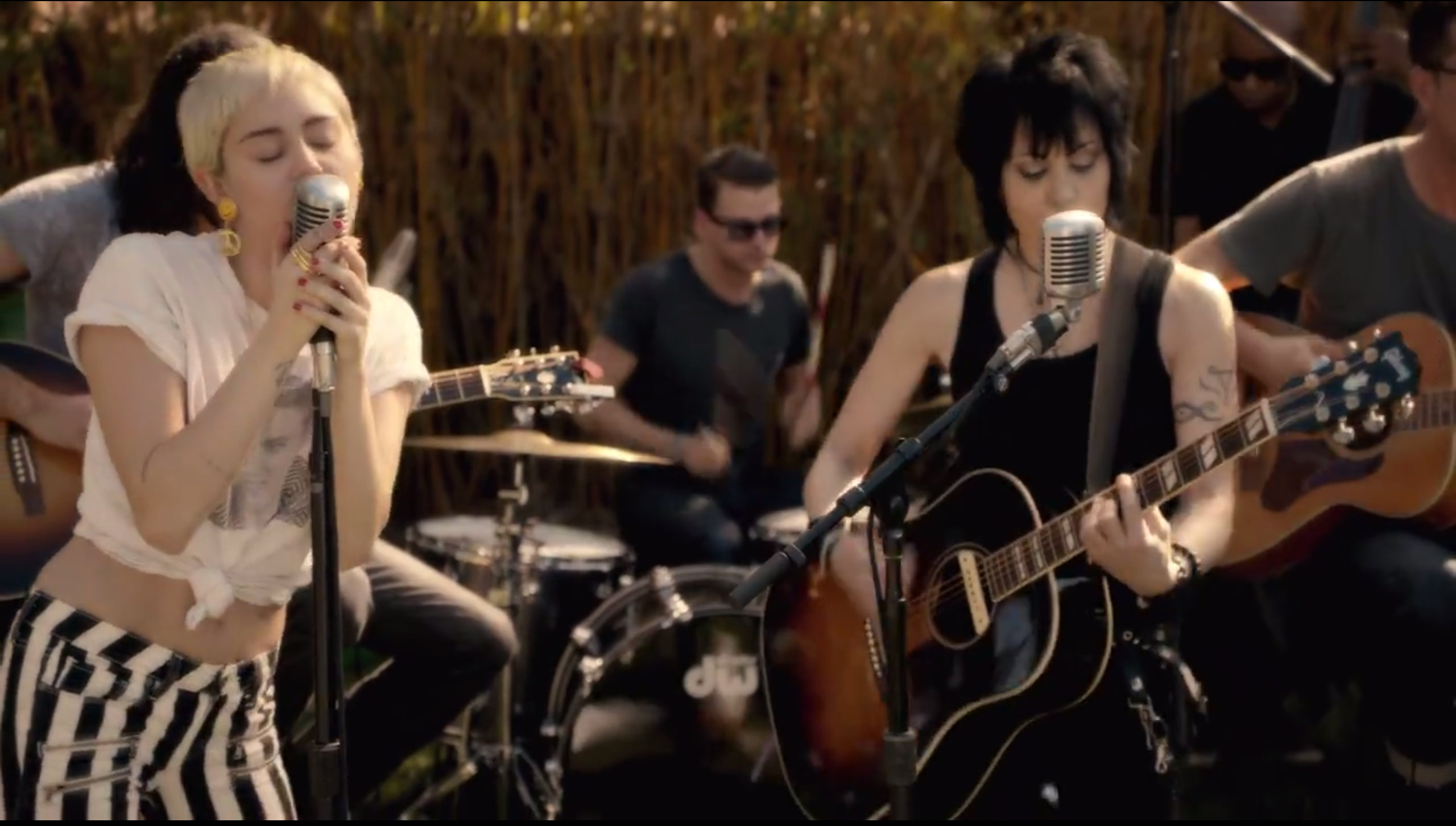 Miley Cyrus Announces The Happy Hippie Foundation And Releases New Song Different Featuring Joan Jett Mxdwn Music