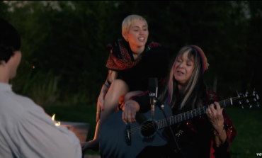 WATCH: Miley Cyrus Performs Two Songs With Melanie