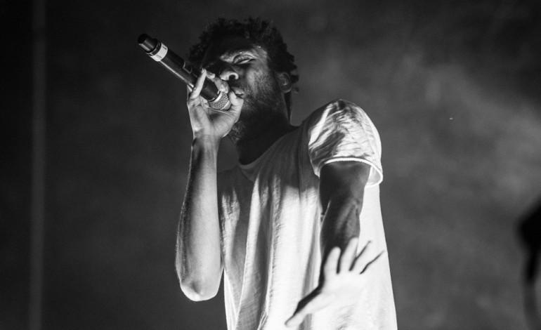 """LISTEN: Childish Gambino Releases New Song """"Redbone"""""""