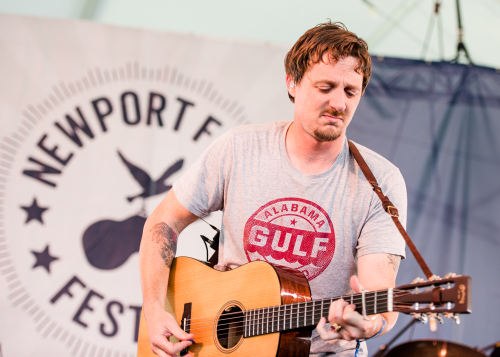 """Sturgill Simpson Announces September 2019 Release Date for Sound & Fury and Shares New Song """"Sing Along"""""""