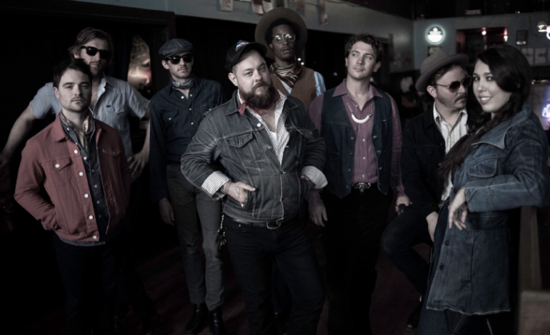 """LISTEN: Nathaniel Rateliff And The Night Sweats Release New Song """"Look It Here"""""""