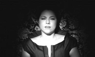 """WATCH: Amy Lee Covers Chris Isaak's """"Baby Did A Bad, Bad Thing"""""""