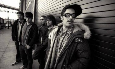"WATCH: Glassjaw Releases New Song ""New White Extremity"""