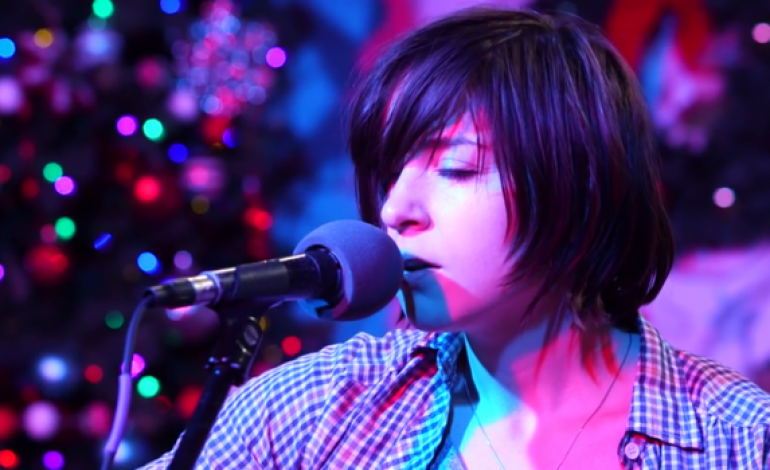 "WATCH: Laura Stevenson Covers Elliot Smith's ""Angel In The Snow"""
