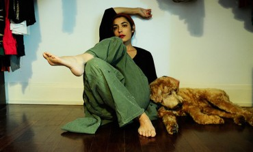 """WATCH: jennylee Releases New Video For """"boom boom"""""""