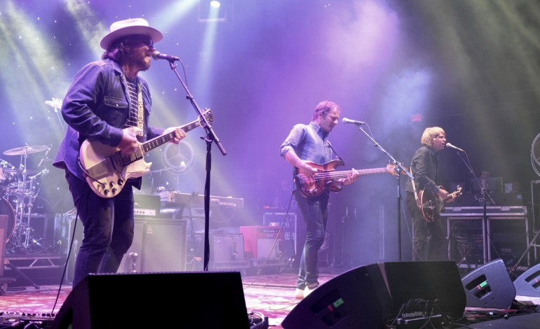 "LISTEN: Wilco Releases New Song ""Someone To Lose"""