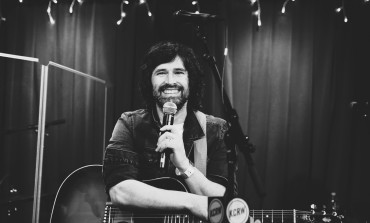 Pete Yorn Live at Apogee Studios, Los Angeles