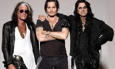 Hollywood Vampires Honor Lemmy From Motorhead At Grammys